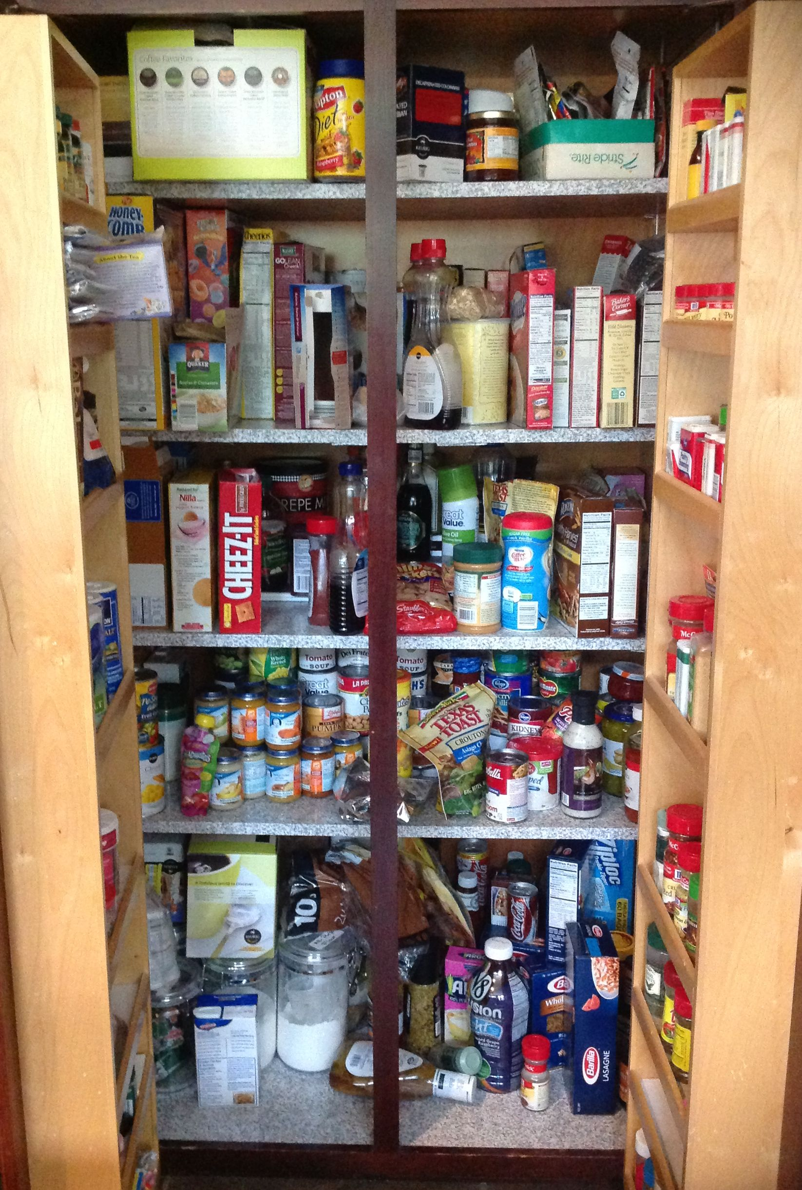 Pantry - Nan and Gary - Before (1)